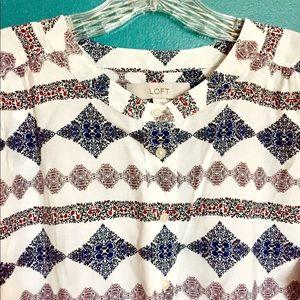 LOFT pattern button down long sleeve shirt