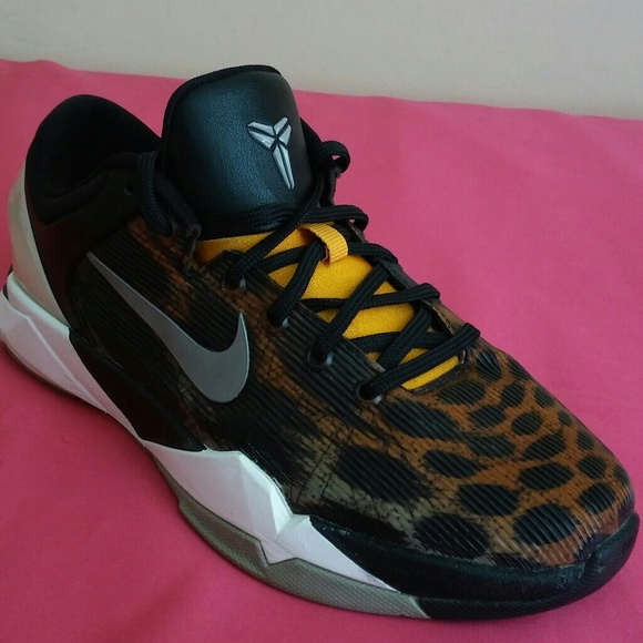 online retailer 4e038 706b8 Nike zoom kobe 7 System Leopard Size 7. M 5a11c0439c6fcff28607d6eb