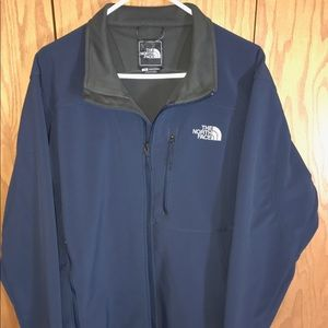 Like NEW!!!  Men's North Face Apex Jacket!