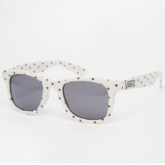 Vans Black White Heart Janelle Hipster Sunglasses.  M 5a11c0e36802788de7079fd2 d8da1be8671
