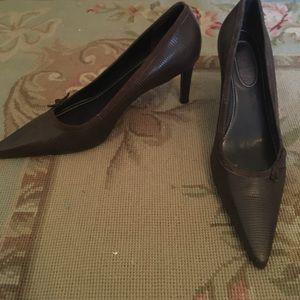 """Ralph Lauren """"Darcy"""" brown bow heels size 8"""