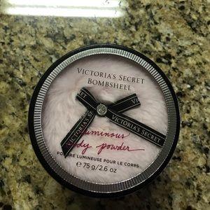Victoria's Secret Bombshell Luminous Body Powder