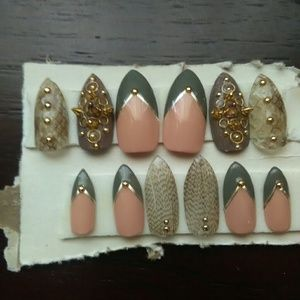 CUSTOM, Nails!