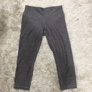 LULULEMON Grey 3/4 Length Crop Leggings
