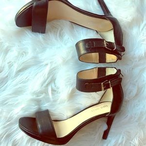 😍Sexy Nine West strapping black heels