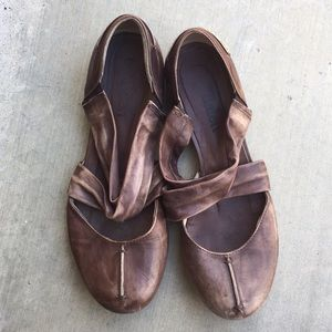 European brown leather crossover strap sandal 39