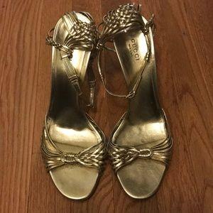 Gucci open toe sandals 9.5