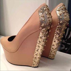 🎉SALE🎉 Betsey Johnson Wedges w/ Glitter Spikes