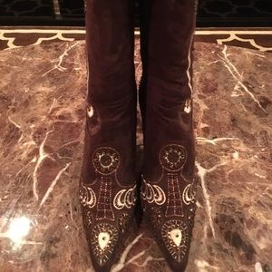 Shoes - Brown faux embroidered boots