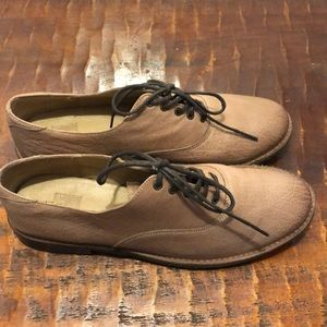 Frye Paige Oxfords Size 10 in Fawn