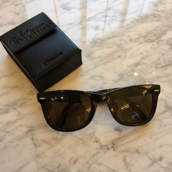 711b4a31f71 Ray-Ban Standard 50mm Folding Wayfarer Sunglasses.  M 5a11c9e3713fde6d7e0800ab