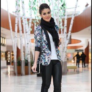 LC Floral Tuxedo Blazer
