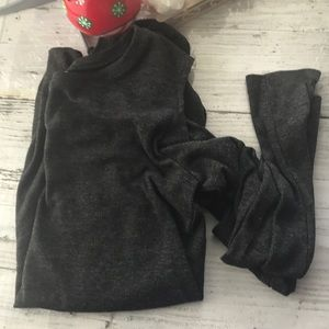 H&M cold shoulder long sleeve tee-M