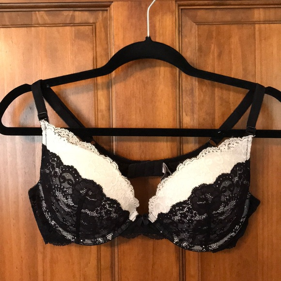 ffc17139dab59 Victoria s Secret Dream Angels Plunge Bra. M 5a11cc719c6fcff286082f1b