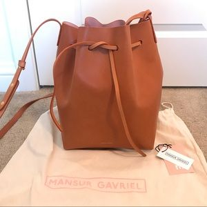 Authentic Mansur Gabriel cammello bucket bag