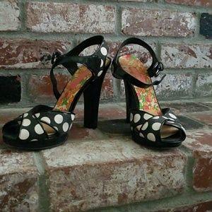 Size 8 Betsey Johnson polka dot heels