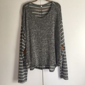 Sweaters - Black and cream sweater, Size 26/28.