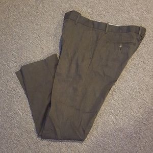 Men's Tailored GapKHAKIS