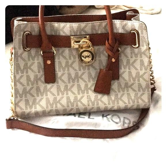 28b18f8855cf Michael Kors Bags | Locket Handbag | Poshmark