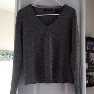 Gray  Cashmere V-neck sweater