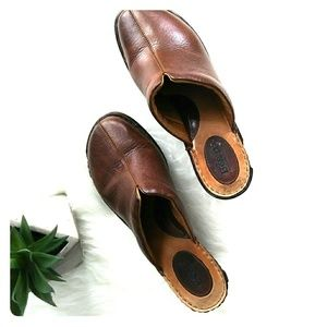 b.o.c of Born brown leather upper clogs size 10/42