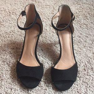 H&M Black Suede Heels Sz 6