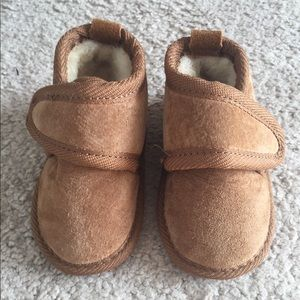 EMU Sheepskin and Suede boots for infant