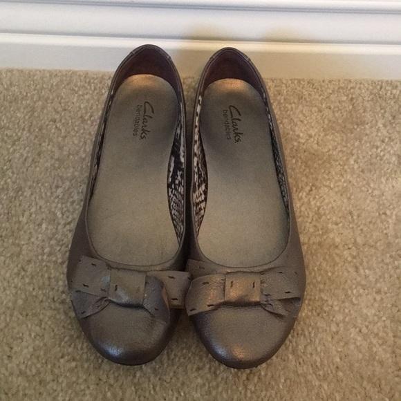 01baae3c167 Clarks Shoes - Clark s bronze colored flat