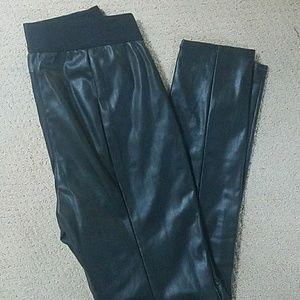 Black leather-looking leggings