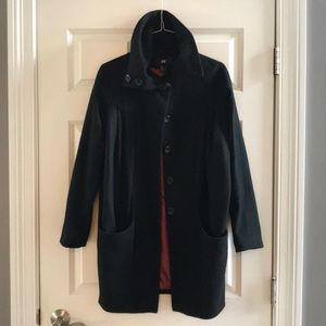 H&M fashion coat with pleats