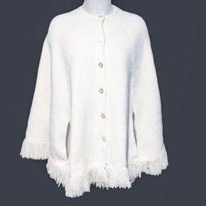 Vintage 💯 Acrylic Thick Sweater Off White Poncho