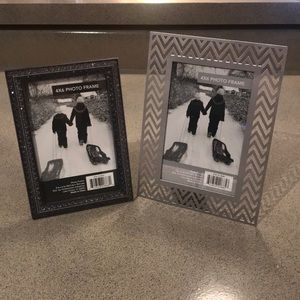 NWT! 2 4x6 picture frames!