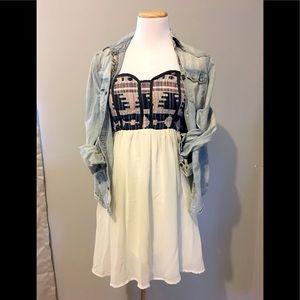 🐴 Buckle peek-a-boo mini Daytrip Dress ☀️