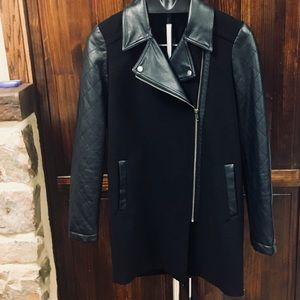 Woman's Jessica Simpson Black Jacket Size Small