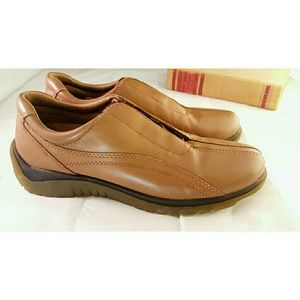 Naturalizer Tan Hidden Lace Up Leather Shoes NEW