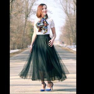 Dresses & Skirts - Black tulle maxi skirt with elastic waist