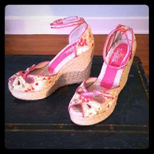 NWOB! MODCLOTH floral espadrille wedges w cut-outs