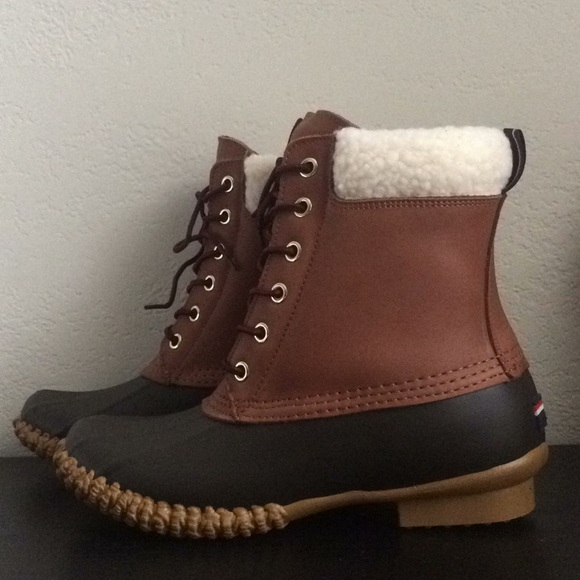 f9850eb53 Tommy Hilfiger Russell women s duck snow boots new