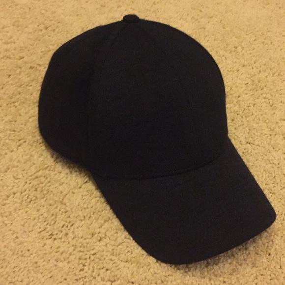 ef34fcb002ab0 Aritzia Wilfred Free Decker Hat in black. M 5a11e36ac2845654ba08c81c