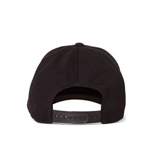 a7f8ab49c34c8 Wilfred Accessories - Aritzia Wilfred Free Decker Hat in black