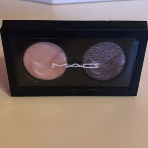 MAC Extra Dimension Eye Shadow x 2