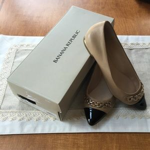 Banana Republic Aliso Chain Flat