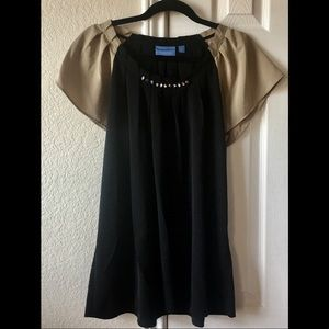 Simply Vera. Beautiful Pleated black/tan Blouse!!