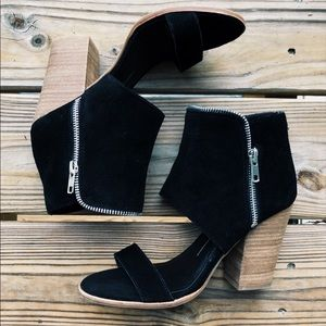 DOLCE VITA black suede block heel sandal bootie