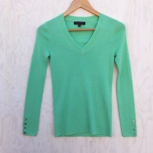 Banana Republic v neck merino sweater green XS