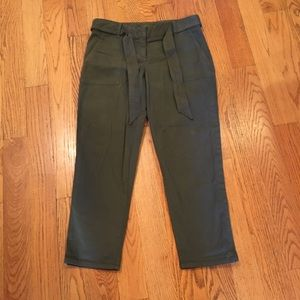 *NWT* Loft Cropped Olive Chinos