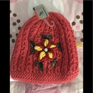WOMEN'S KNITTED HAT Sz. OS