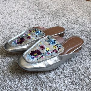 Shiny embroidered silver loafer mules