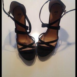 HM Strappy heels