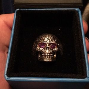 Sterling silver skull ring with amethyst eyes